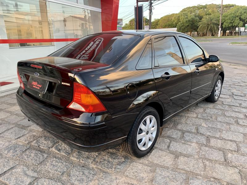 FORD Focus Sedan 1.6/1.6 Flex 8V/16V 4p Mec. PRETA Manual Gasolina 2007