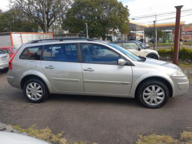 RENAULT Megane Grand Tour Dynam Flex 1.6 PRATA Manual Gasolina 2010