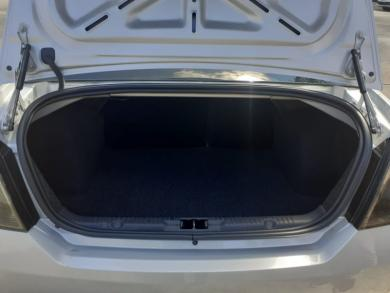FORD Fiesta Sedan SE 1.6 8V Flex 4p PRATA Manual Gasolina 2014