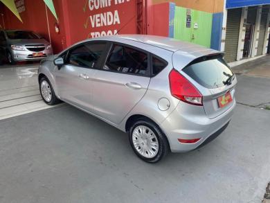 FORD Fiesta 1.5 16V Flex Mec. 5p PRATA Manual Flex 2014